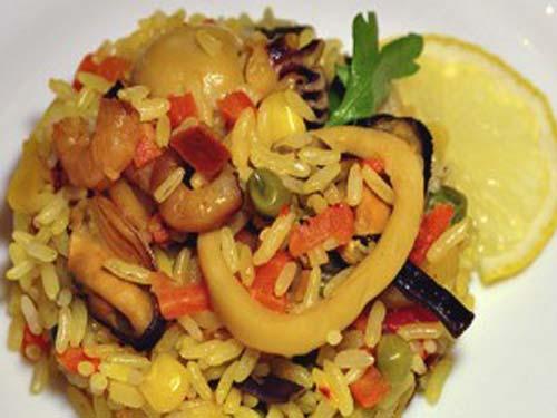 Блюда с морепродуктами морской коктейль